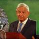 El presidente le contó a la Vicepresidenta de Estados Unidos la historia de la Silla Presidencial embrujada.